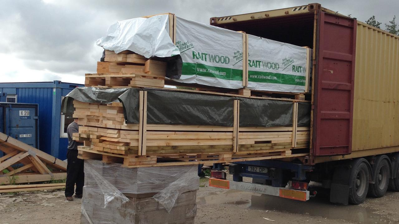 katus.eu precut house loaded on truck